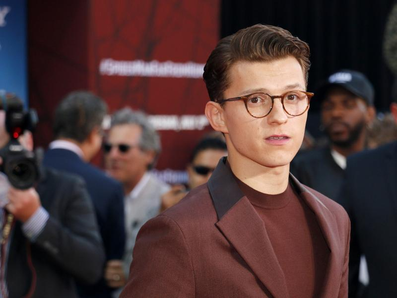Tom_Holland_01_18.jpg