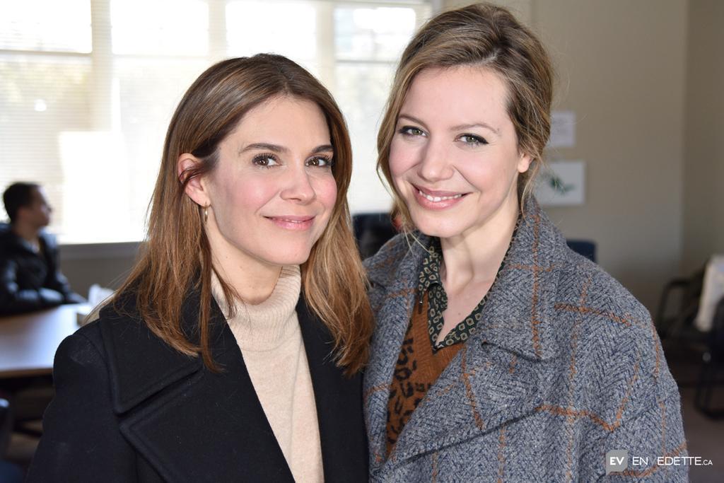 Voyez L Affiche Du Film Mettant En Vedette Magalie Lepine Blondeau Et Julie Perreault