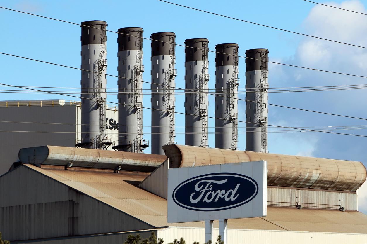 am800-news-ford-plant-dearborn-michigan-istock