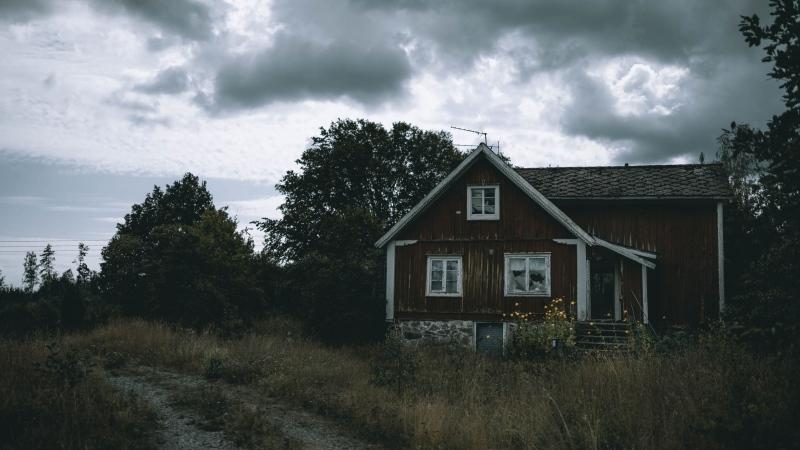 Women in Canada are more likely to believe in haunted houses than men, a poll has found. (Shutterstock)