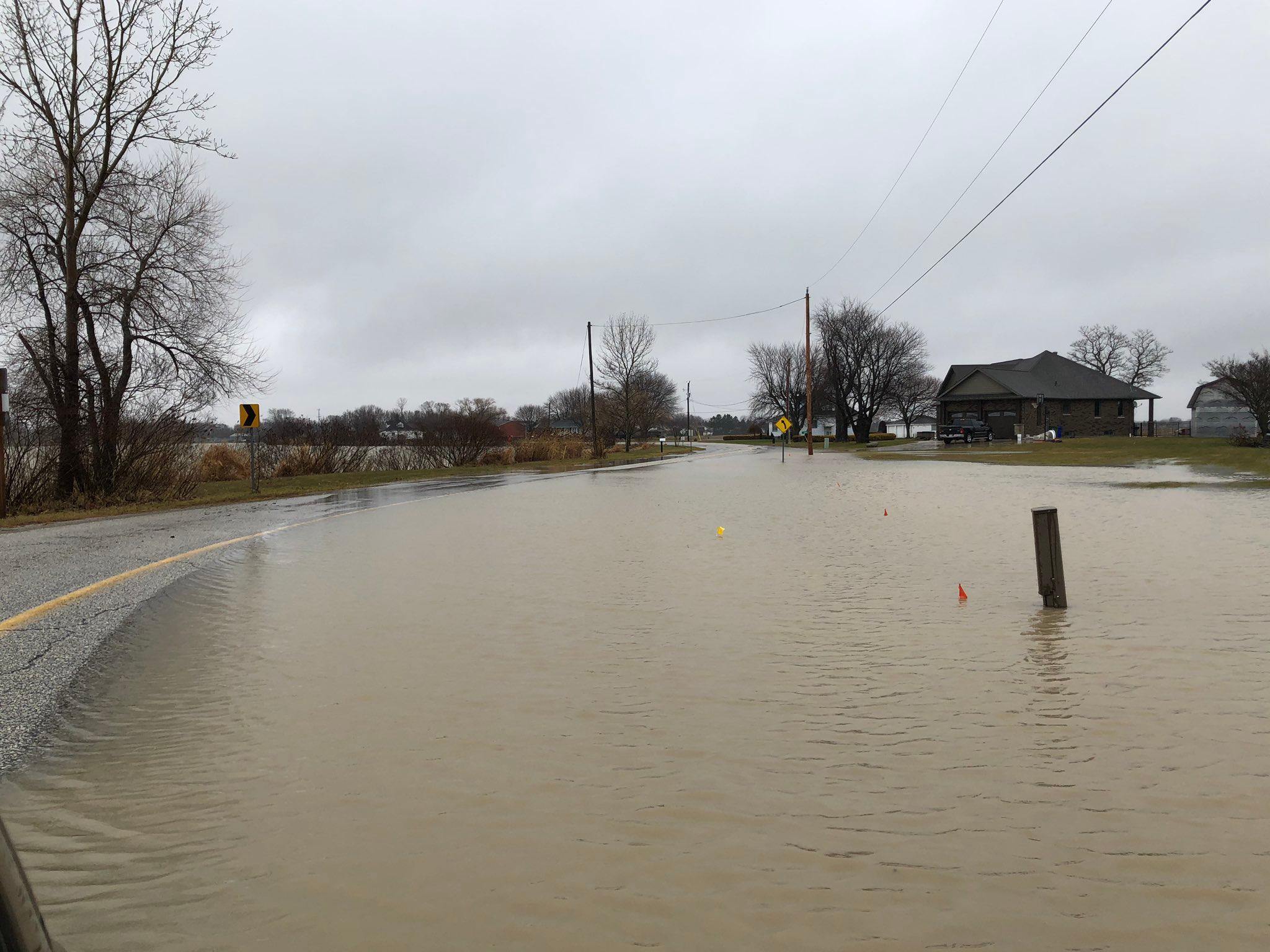 am800-news-amherstburg-river-canard-south-river-view-road-flooding-january-11-2020
