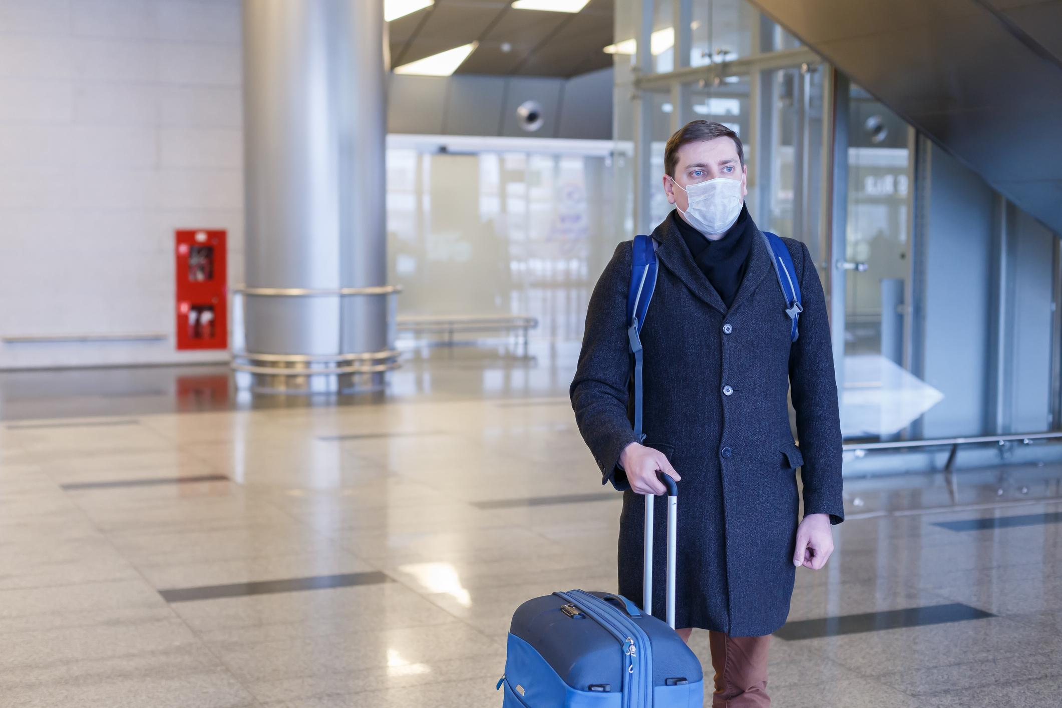 AM800-News-Traveler-Airport-Flight-Coronavirus