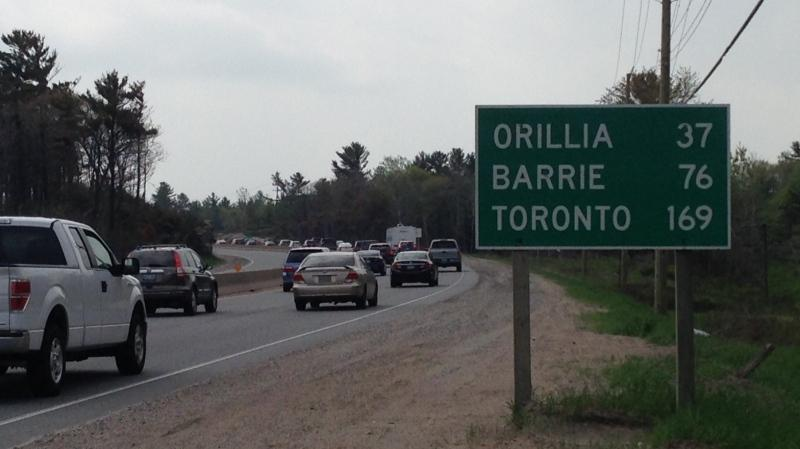 Commuters head back from a long weekend in cottage country drive down Highway 400 on Monday, May 18, 2015. (Katherine Ward/ CTV Barrie)
