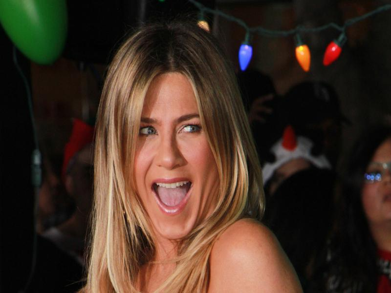 Jennifer_Aniston_07_16.jpg