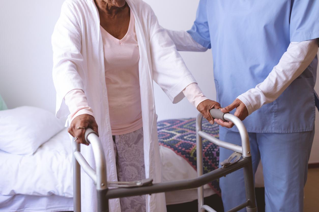am800-news-long-term-care-home-worker-istock