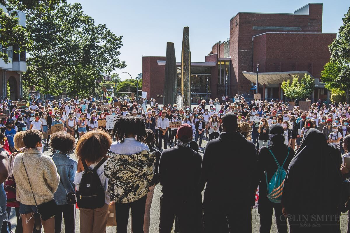 People crowd in Centennial Square for the Black Lives Matter protest in Victoria after the death of George Floyd, Photo by Colin Smith Takes Pics