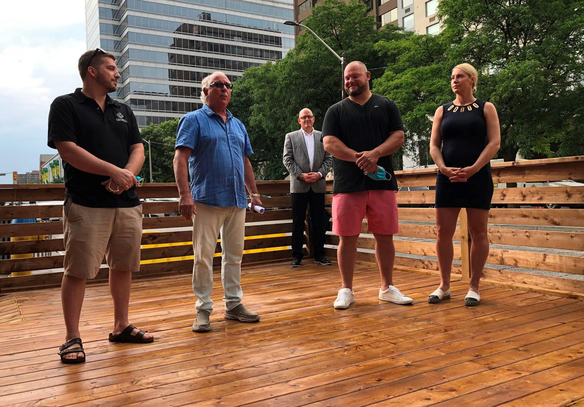 am800-news-parklet-pitt-street-east-july-10-2020