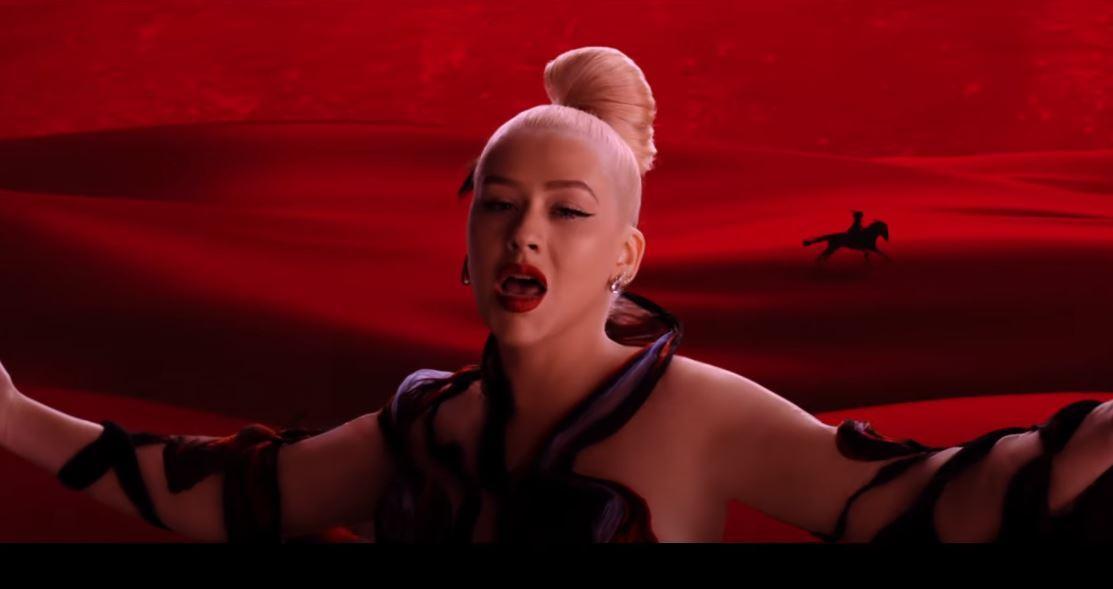 REGARDEZ : Christina Aguilera dévoile le vidéoclip de Loyal Brave True