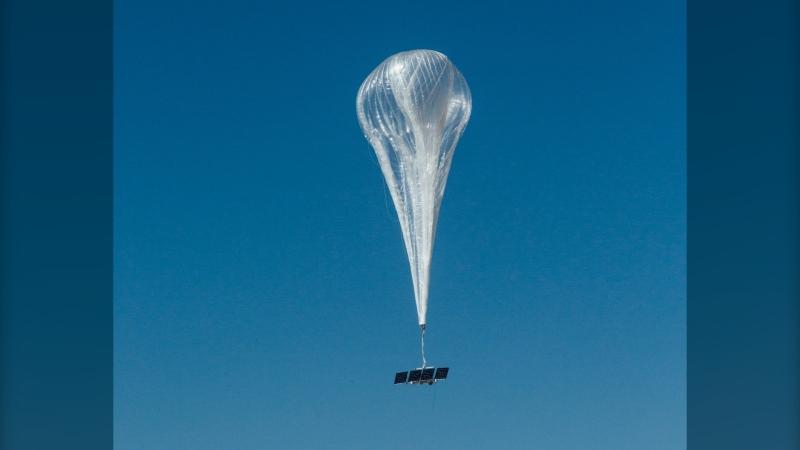 A solar-powered, internet-boosting balloon was recorded flying over Vancouver Island Friday: (Loon)