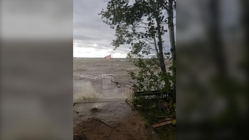 A photo of large waves on Lac du Bonnet near Grausdin Point. (Source: Kelly Bishop)