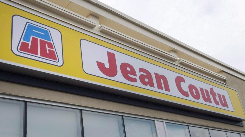 A Jean Coutu pharmacy is seen Wednesday, September 27, 2017 in Ste. Marthe-sur-le-Lac, Quebec. (THE CANADIAN PRESS/Ryan Remiorz)