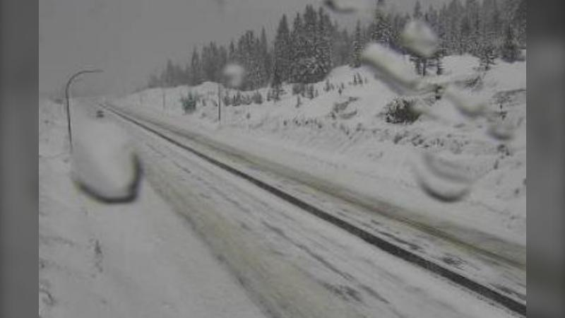 Highway 5 Coquihalla Lakes, 61 km south of Merritt at 10 a.m. on Feb. 6, 2021 (Drive BC photo).