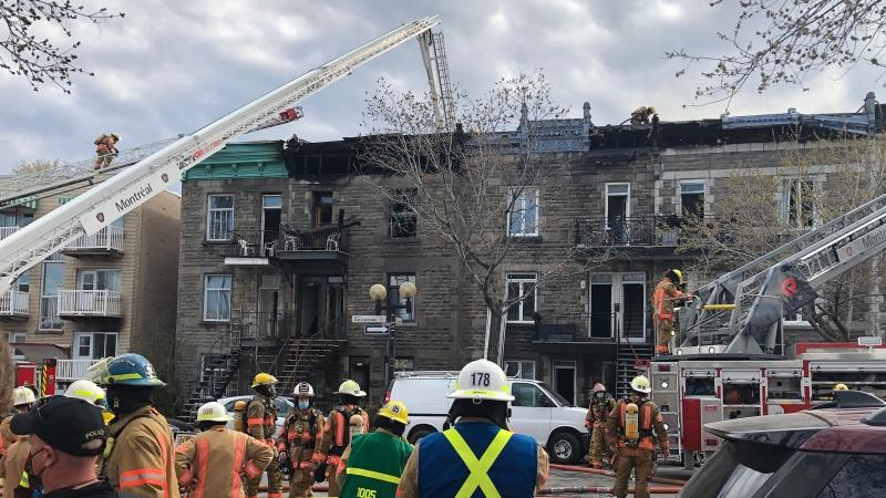 Fire underway on De Lorimier Ave. (photo: CTV News Montreal / Scott Prouse)