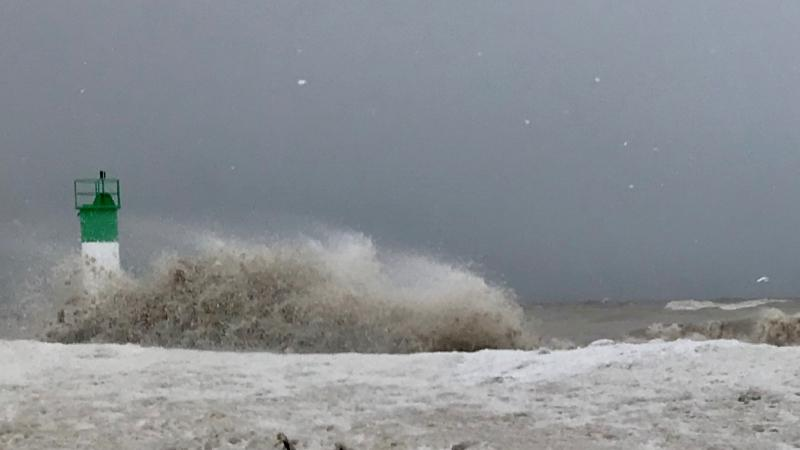 Waves slam into the shores of Lake Erie in Port Bruce, Ont. on Friday, Feb. 5, 2021. (Sean Irvine / CTV News)