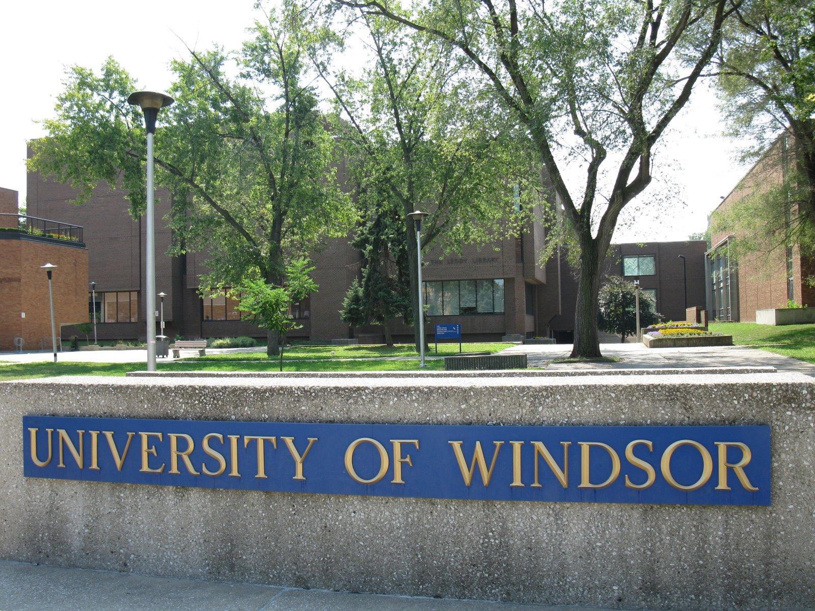 AM800-NEWS-UNIVERSITY-OF-WINDSOR-SIGN-STOCK-1