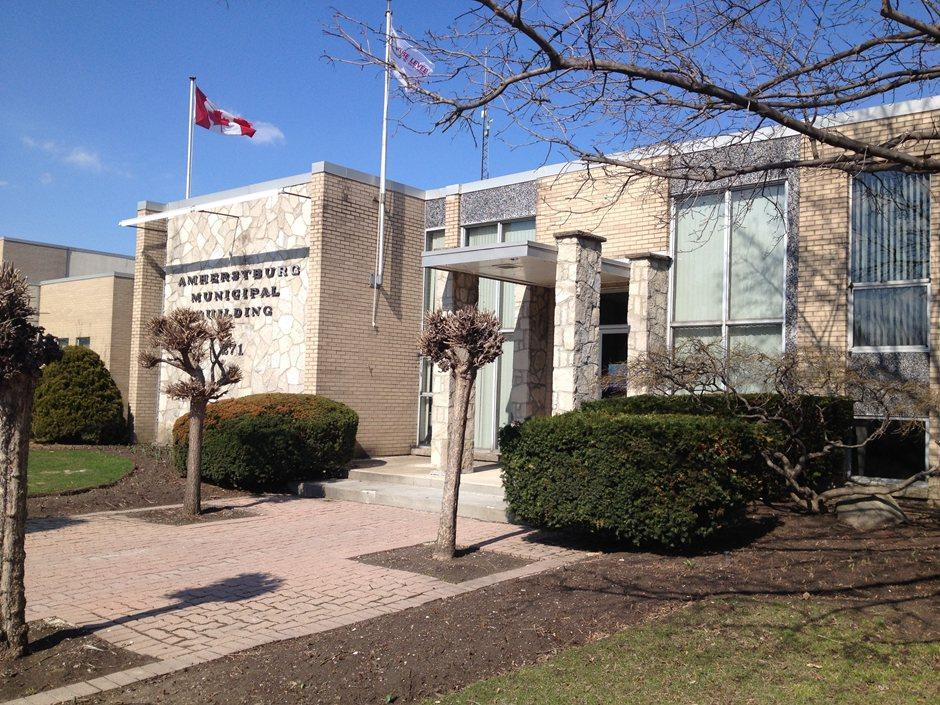AM800-News-Amherstburg-Town-Hall