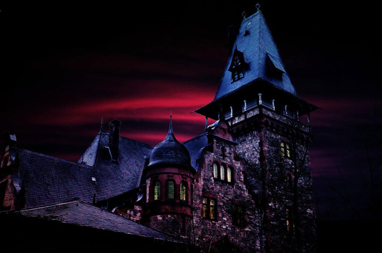 haunted-house-1519860_1280
