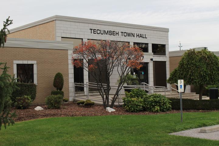 AM800-News-Town-Of-Tecumseh-Town-Hall-Side-View-Nov2016