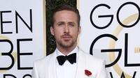 Ryan Gosling arrives at the 74th annual Golden Globe Awards at the Beverly Hilton Hotel on Sunday, Jan. 8, 2017, in Beverly Hills, Calif.