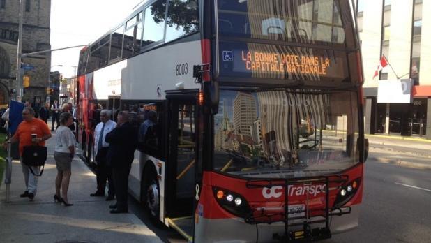 odeur de fum e 43 autobus tages retir s de la flotte d 39 oc transpo. Black Bedroom Furniture Sets. Home Design Ideas
