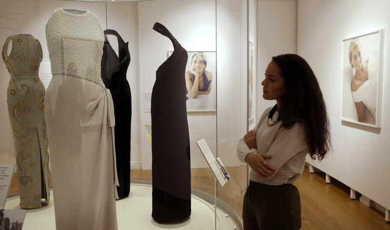 In Pictures New Exhibit Of Fashion Worn By Princess Diana Opens Friday At Kensington Palace