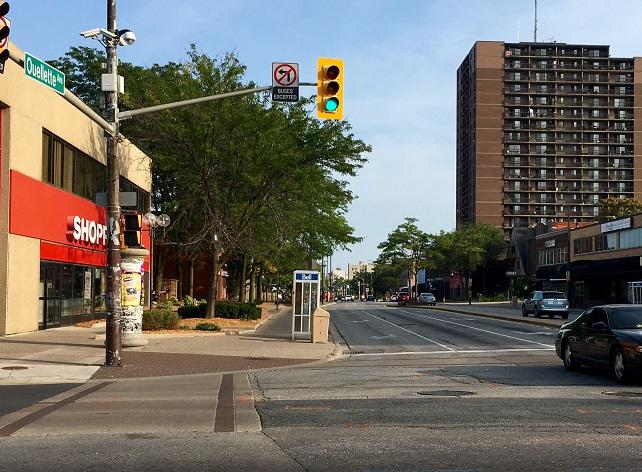 AM800-NEWS-DOWNTOWN-WINDSOR-OUELLETTE-AVE