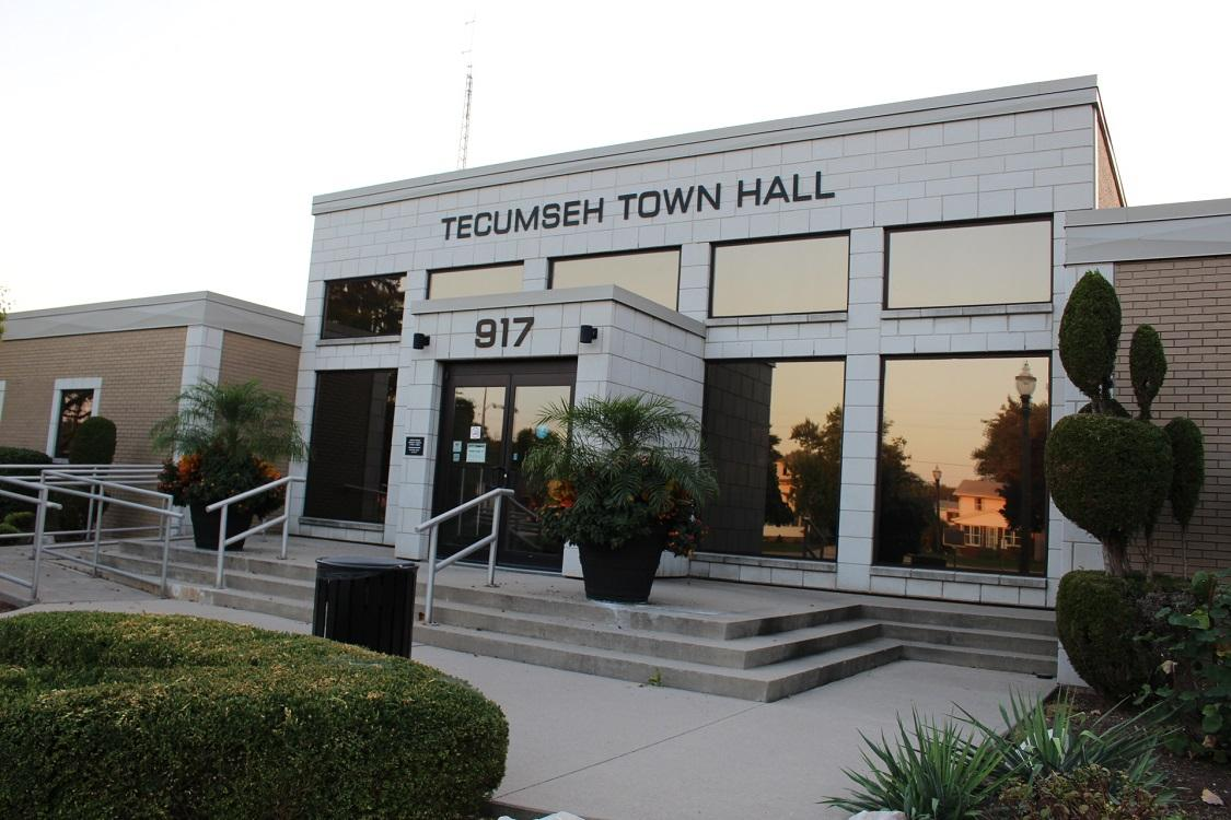 AM800-News-Tecumseh-Town-Hall-September-2017-1