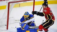 am800-sports-hockey-nhl-flames-blues-calgary