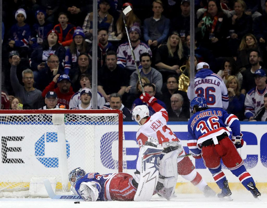 AM800-SPORTS-RED-WINGS-RANGERS-GETTY