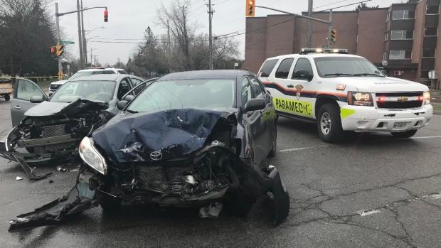Ottawa police confirm fatality in Russell Road crash