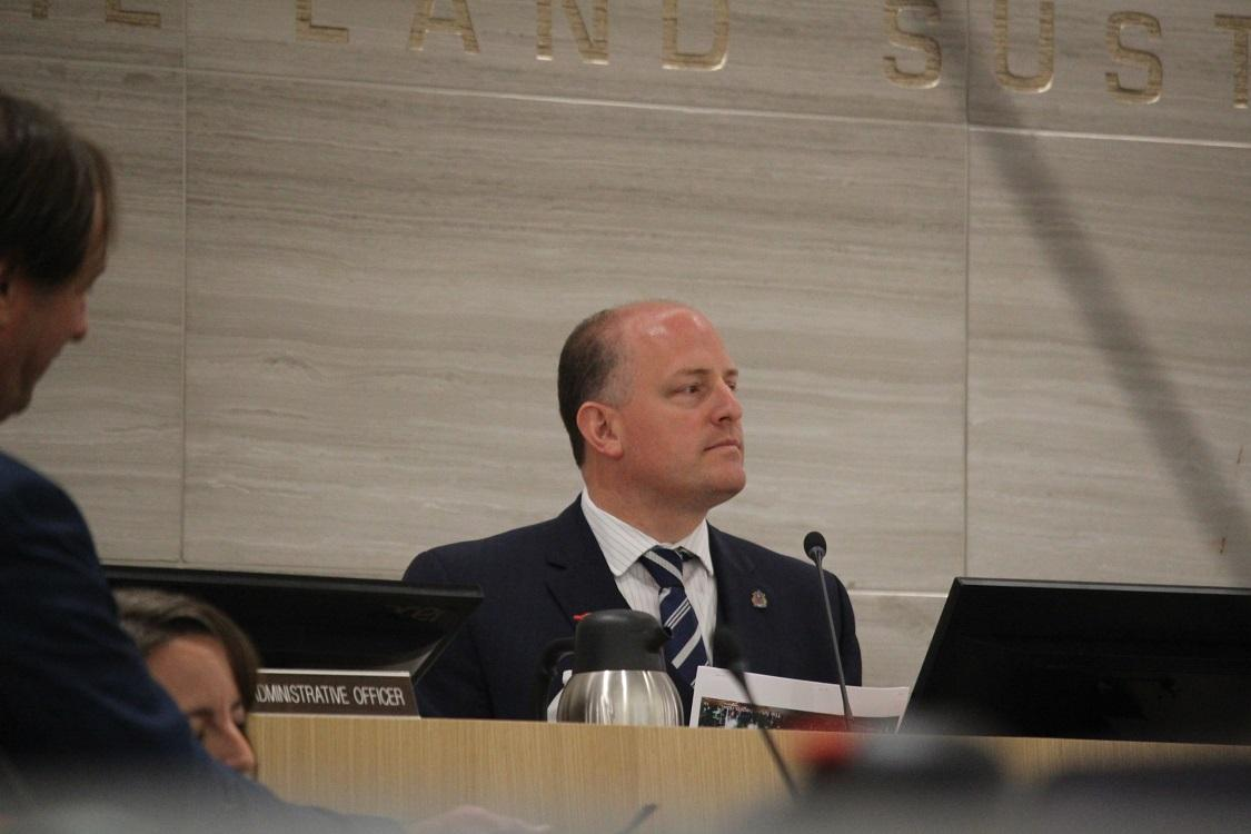 AM800-NEWS-MAYOR-DREW-DILKENS-WINDSOR-FIRST-NEW-CITY-HALL-MEETING-RINO-BORTOLIN-APOLOGY-1