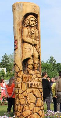 am800-news-tree-carving