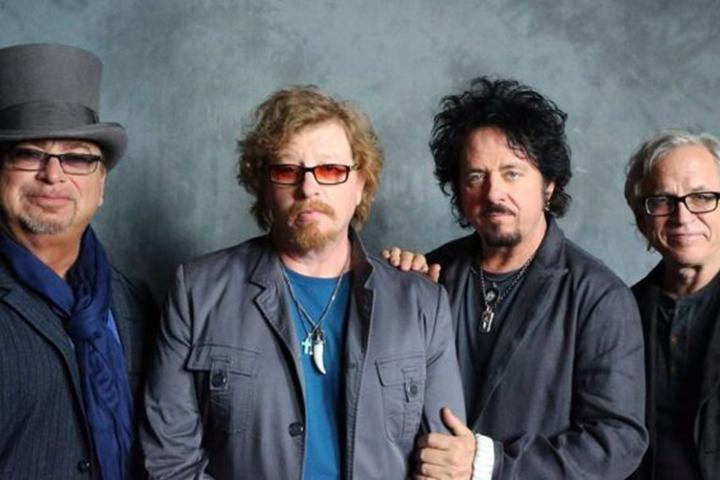 WATCH: Toto Covers Weezer\'s \'Hash Pipe\' In Vancouver