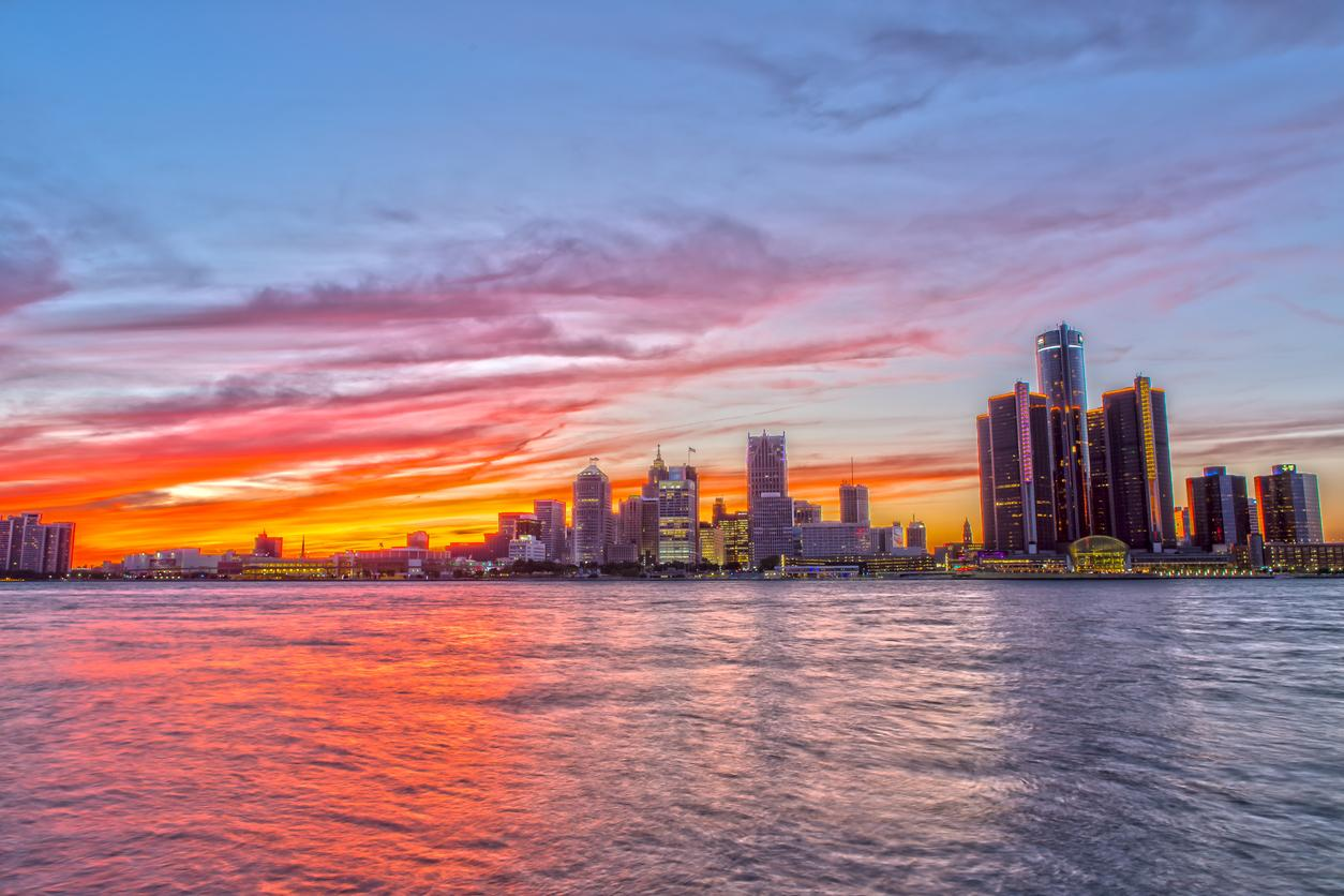 am800-weather-windsor-detroit-sunset-istock