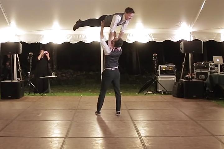 U Tube Wedding Dances.It S Friday Watch This Couple S Amazing Wedding Dance