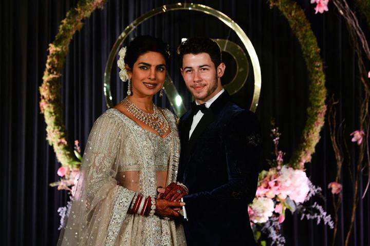 Official Wedding Photos.Nick Jonas Priyanka Chopra Share Official Wedding Pics