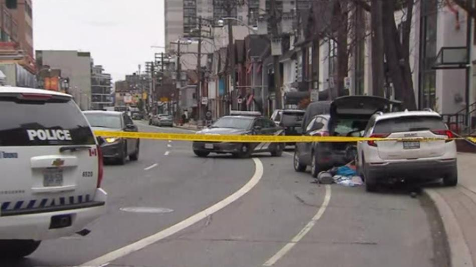 UPDATE: Woman dies after two-car collision in downtown Toronto