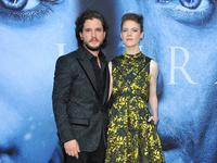 Kit_Harington_Rose_Leslie_01_16.jpg