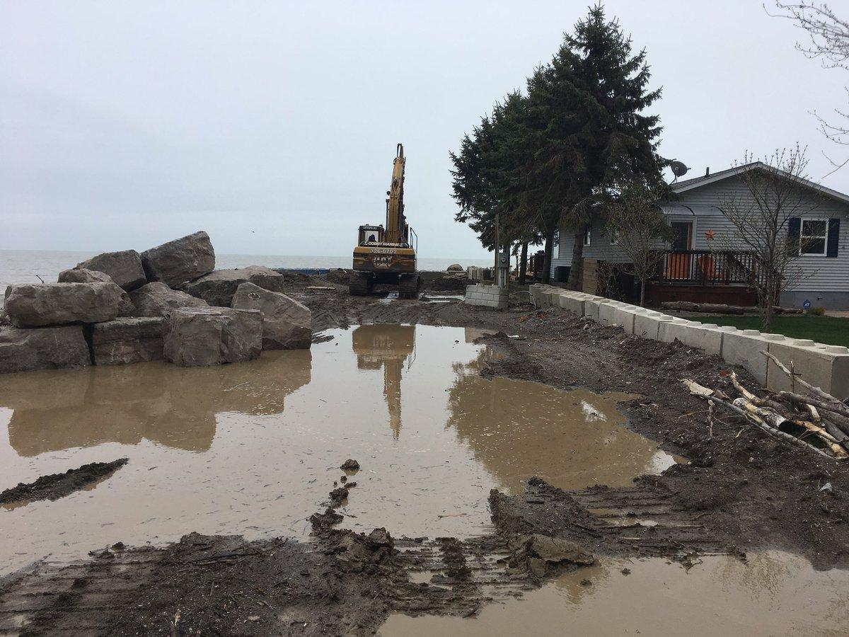 am800-news-flooding-cotterie-park-leamington-april-2019