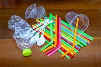 AM800-NEWS-plastic-straws-single-use-plastics-istock