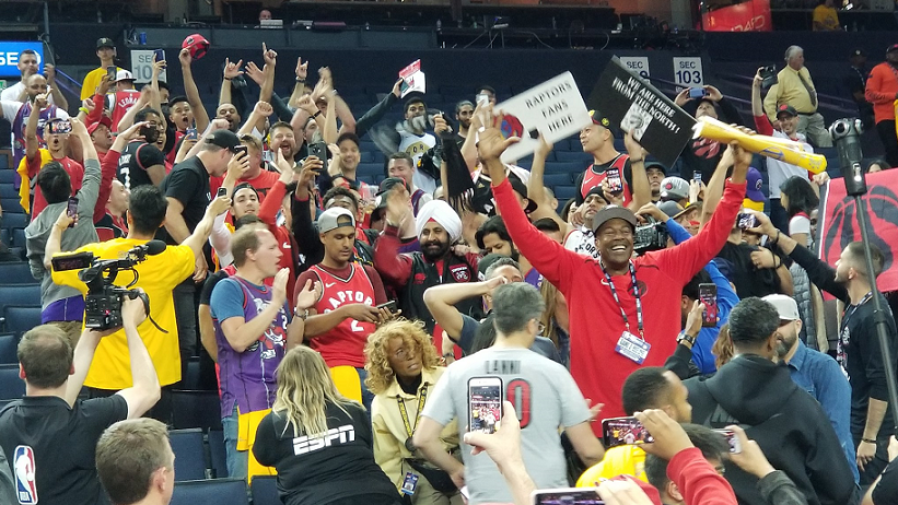 online retailer 22bd1 ae8c3 Toronto Raptors fans take over Oracle after game 3 win