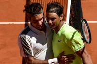 am800-sports-rafael-nadal-roger-federer-tennis-clay-june-2019-getty