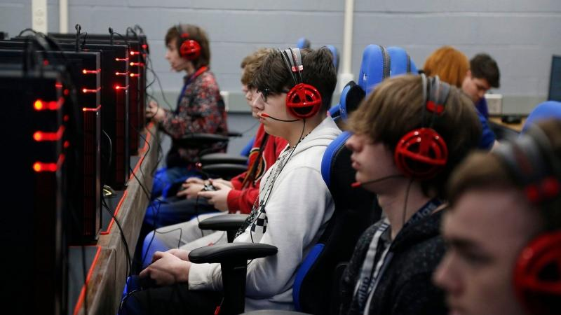 Students play a game trying out for the esports league at Sapulpa High School in Sapulpa, Okla. on April 3, 2019. (Stephen Pingry/Tulsa World via AP)