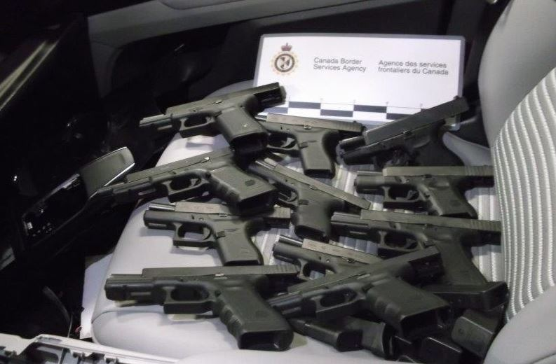 Canadian border agents seize 230 guns in eight months in