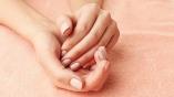 Des mains de femme
